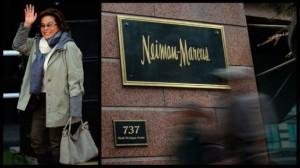 Elba Esther Gordillo saliendo de Neiman Marcus