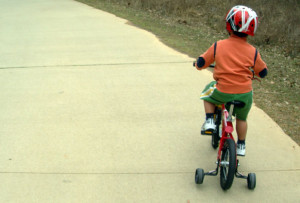 Atropellan a Niño en bicicleta
